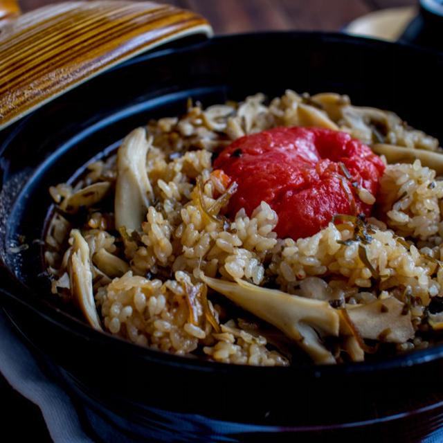 シンプルレシピとふじっ子さん塩こんぶで「丸ごとトマトの炊き込みご飯」