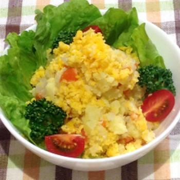 レシピ☆ふわふわの炒り卵とオレガノがポイント【ミモザ風ポテトサラダ】