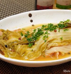 白菜とベーコンの洋風重ね蒸し煮と焼きタルティーヌ