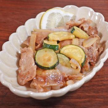 ズッキーニと豚肉のさわやかレモン生姜焼き