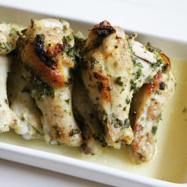 【簡単!トースターで】鶏手羽元のパセリバター焼き
