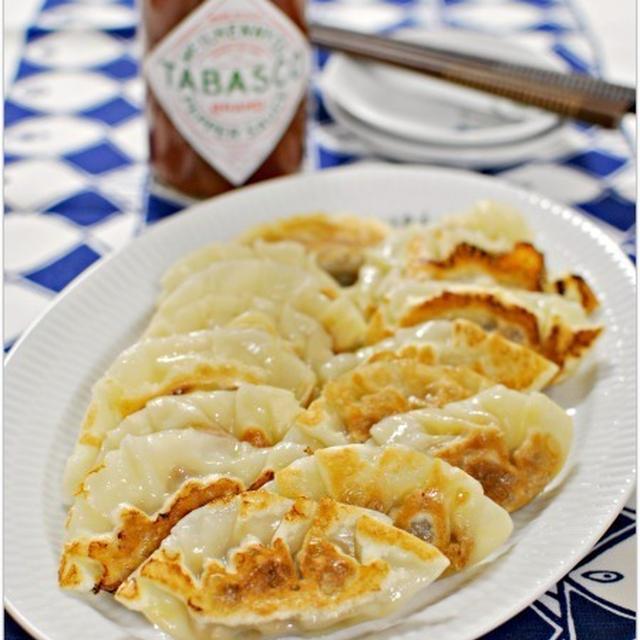 缶詰で簡単♪食感楽しいさば味噌ピリ辛餃子