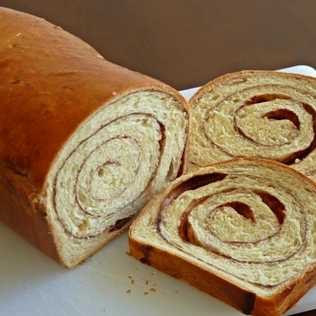 ダッチシュガーブレッド風シナモンロールパン