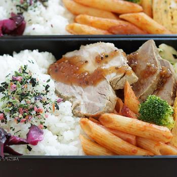 煮豚とネギ入り玉子焼き~食べざかり中学生のお弁当☆今日が最後のお弁当