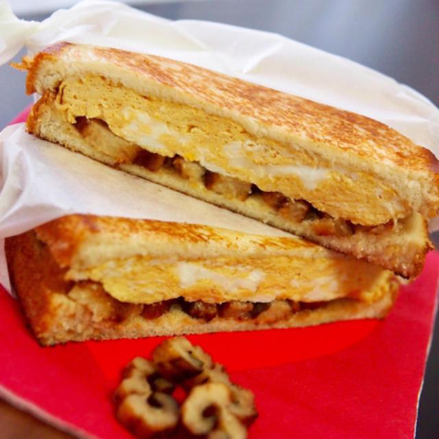 簡単朝ごはん!アナゴの蒲焼と厚焼き卵で和風パニーニ*和ニーニ*フライパンでホットサンド