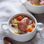 おかずスープ最近、スープジャーを購入したので、以前よりもスープを作る頻度が増えました。そんな中、具沢山のおかずスープは食材...