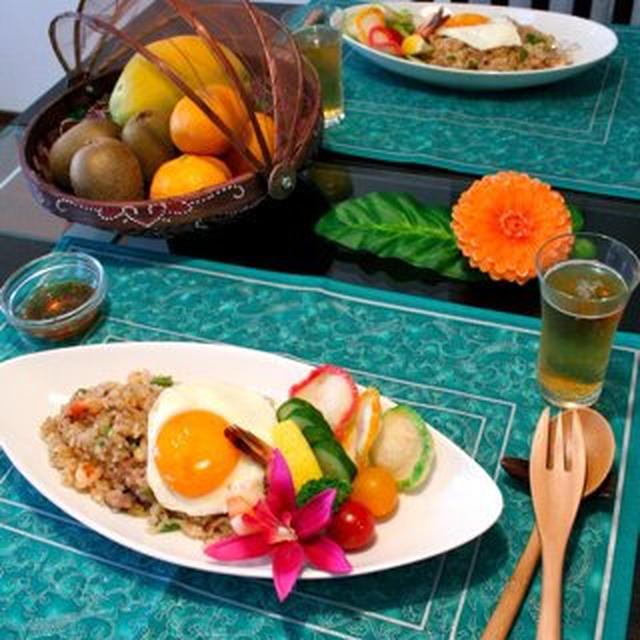 インドネシア料理ナシゴレンのランチ