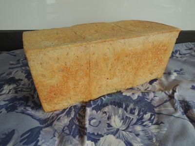 引越完了&ライ麦角食パン