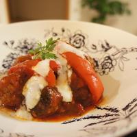 ミートボールのトマト煮込み ヨーグルトソース(レシピ)