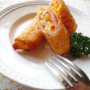 身近な材料で簡単&リーズナブルに♪卵入りの春巻きレシピ