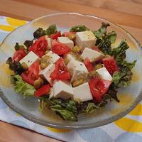 豆腐とトマトと枝豆のサラダ