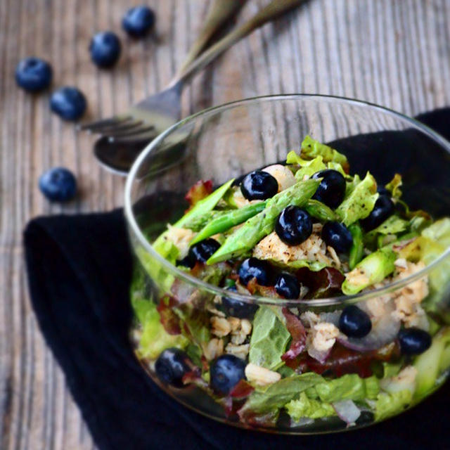 ブルーベリーとオートミールのサラダ
