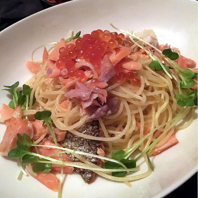 【レシピ】おうちで簡単魚介パスタ!?鮭といくらのパスタの作り方