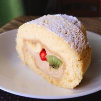 ほうじ茶クリームのロールケーキ
