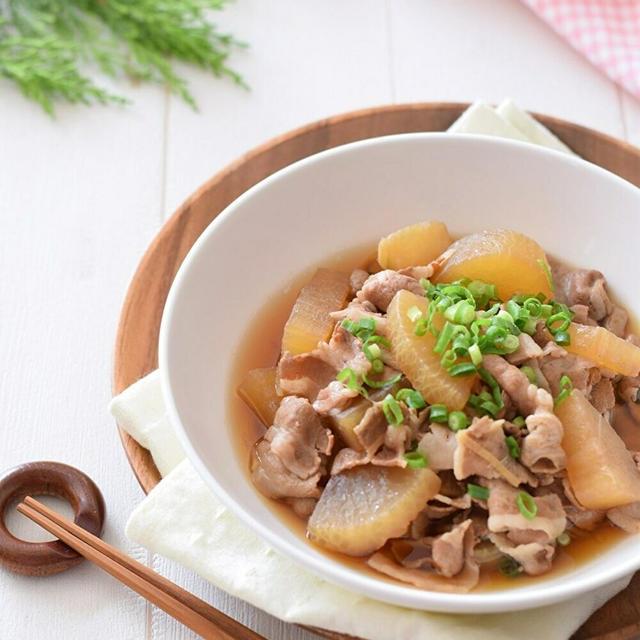 【和風おもてなし】激ウマ♡豚バラ肉と大根の煮物♪材料入れて煮込むだけ!の簡単調理