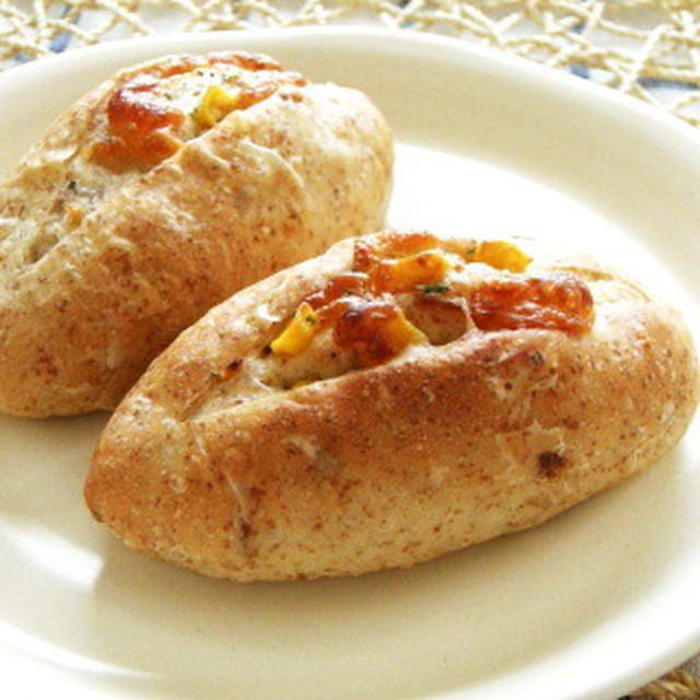 【胚芽パン】コーンとチーズ、フライドオニオンのパン(白神こだま酵母)