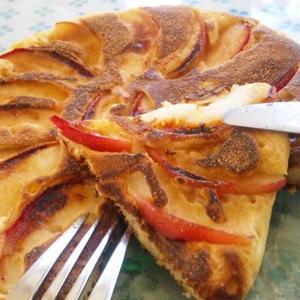 ホットケーキミックスで簡単♪アップルケーキ