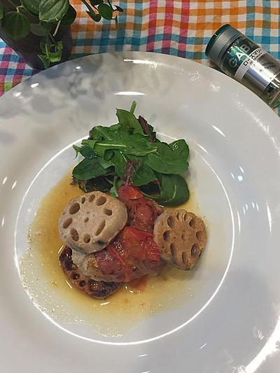 手軽にイタリアン!ローズマリーの香りで美味しい合挽き肉のサルティンボッカ・バターレモンソース添え