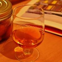 秋の夜長に。柿のフルーツブランデー