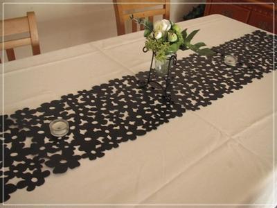 白いテーブルクロスで
