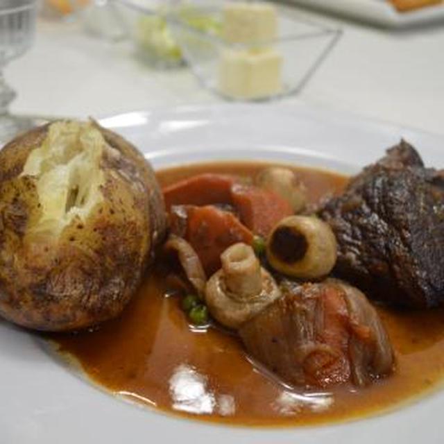 夫と長女のバースデーディナー  ビーフボーギニョン(牛肉の赤ワイン煮込み)