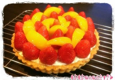 イチゴと黄桃のタルト☆happybirthday