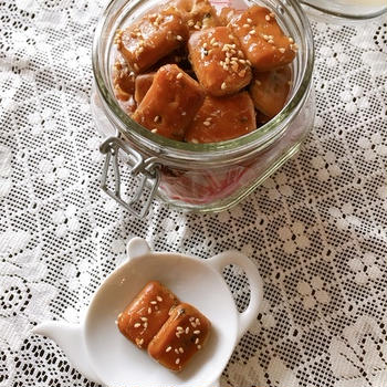 韓国オンマの懐かしおやつ「揚げ乾パン」。