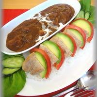 【ハウス ビストロシェフ】トマトとアボカドのポークステーキ&ビストロシェフシチュー
