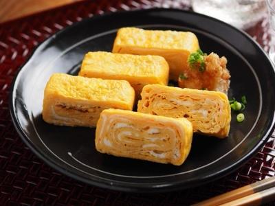 >本みりんで甘い卵焼き 、 銅製フライパンでの作り方を画像で解説 by 筋肉料理人さん