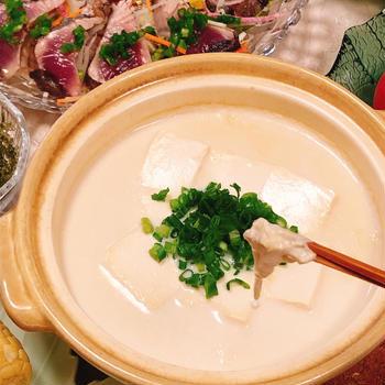 【だししょうゆ】で料亭の味!豆腐だけ豆乳鍋♪