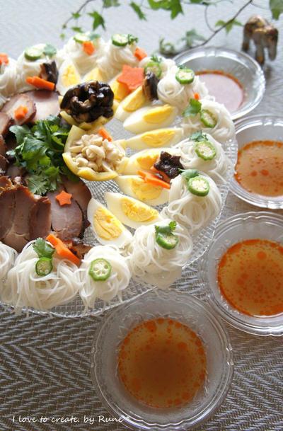 七夕の食べやすいトムヤムスープ冷麺&五色の水餃子