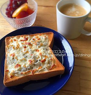 シラスとチーズのトースト