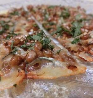 カリカリ香ばしいよ♪ フライパンで10分☆ 納豆とじゃこのチーズせんべい