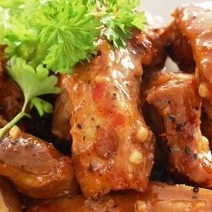 BBQで大活躍!「漬け込む」だけで超モテお肉レシピ5選