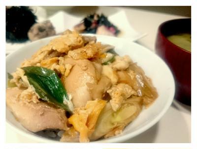 """ラララ〜♪【Recipe:親子丼】も""""豚おねぎ丼""""もお餅が美味しいお醤油で。"""