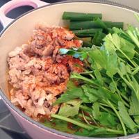 きざみ豚肉と京野菜たっぷり「ごま担々麺鍋」【モランボンプレミアム鍋】