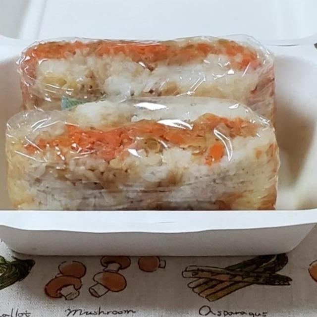 お弁当作り☆ライス型ランチ☆ソーセージの和風お米サンド