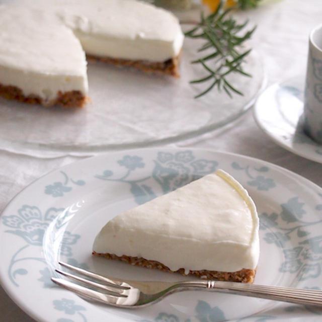 《レシピ》フルーツグラノーラ土台の水切りヨーグルトチーズケーキ
