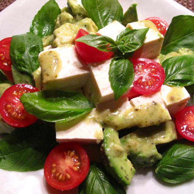 市販ドレを一工夫:アボカドと豆腐のバジルドレ、野菜だらけの水餃子