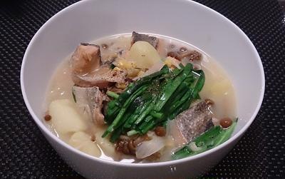 【鍋】体がぽかぽか味噌仕立ての石狩鍋の作り方(レシピ)