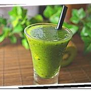 キウイと小松菜のグリーンジュース