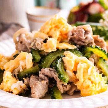 旨味たっぷり♡豚肉とゴーヤの白だし炒めレシピ