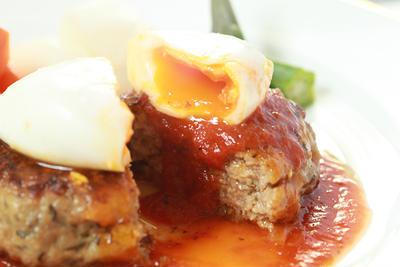 トマトソースハンバーグの実力派レシピ10選♪王道から冒険系まで