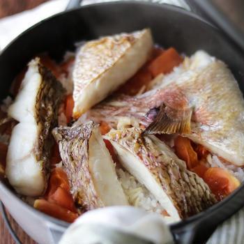 トマト入りのお手軽鯛飯。