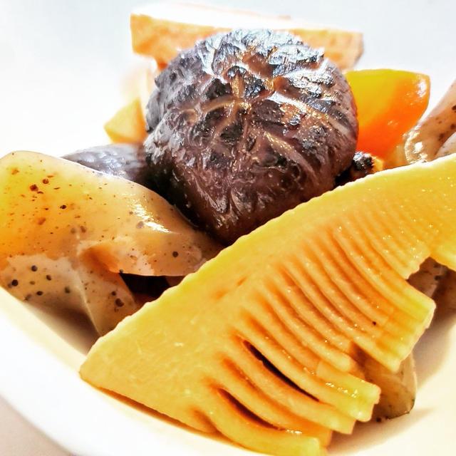 筍と干し椎茸の煮しめ