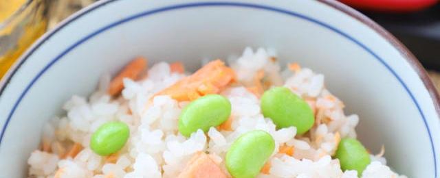 いつもの食材をアレンジ!「塩鮭」を使ったかんたん混ぜごはんレシピ