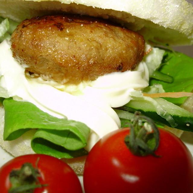 またまた、日本食研「煮込んでおいしいハンバーグソース・てりやき味」で<簡単照り焼きハンバーガー・イングリッシュマフィン>と<白子の味噌汁>