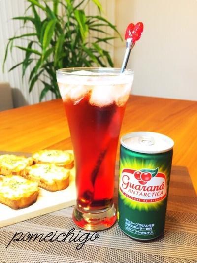 【オリジナルカクテル♪】苺のフルブラとカシスのガラナ割りとサバのパテdeブルスケッタ(*≧艸≦)
