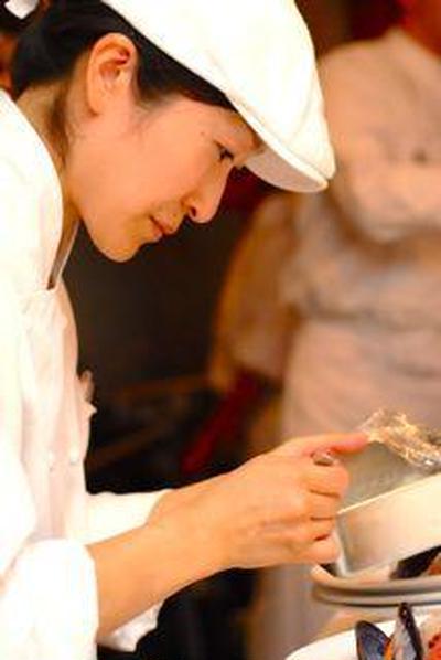 .明日19時から神戸旧居留地にあるオリエンタルホテル様にてデモンストレーション形式でお料...