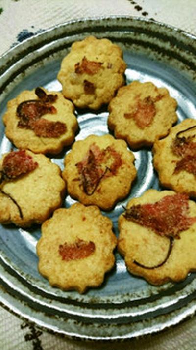 桜の塩漬けの米粉クッキー